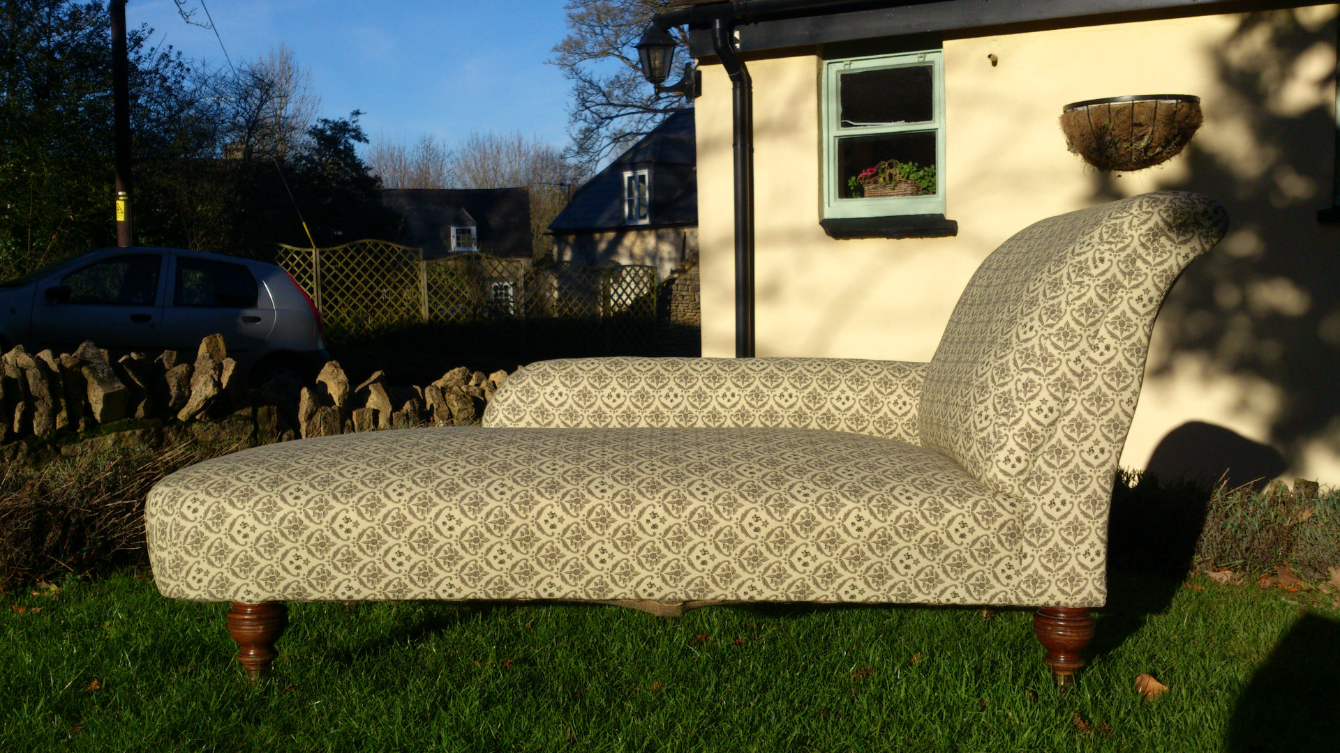 Antique howard and sons sofas hares antiques for Chaise longue london