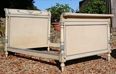 06112017Antique French Painted Bed 49½w max 49w outside of rails 87 long max 75 long inside _4.JPG