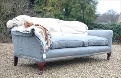 Howard and Sons Portarlington Sofa 39or40d 36h 6ft6 approx 7.JPG